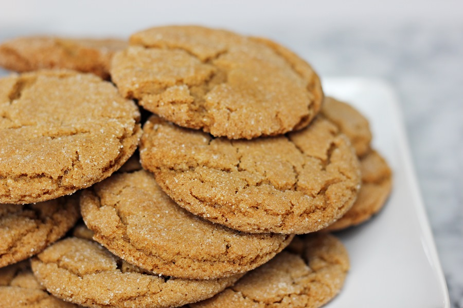 Granny's Gingersnaps – A classic holiday cookie made with ginger, cloves, molasses, and cinnamon. All the flavors of the season! | www.worthwhisking.com
