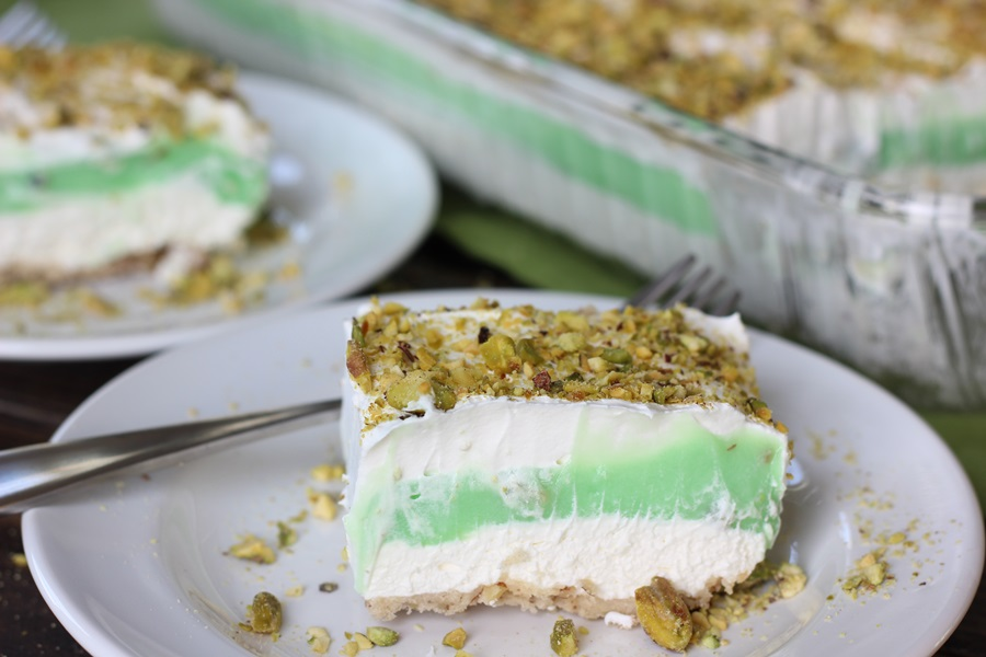 Pistachio Dream Dessert A Wonderful Light Anytime Delightful Pecan Crust Covered